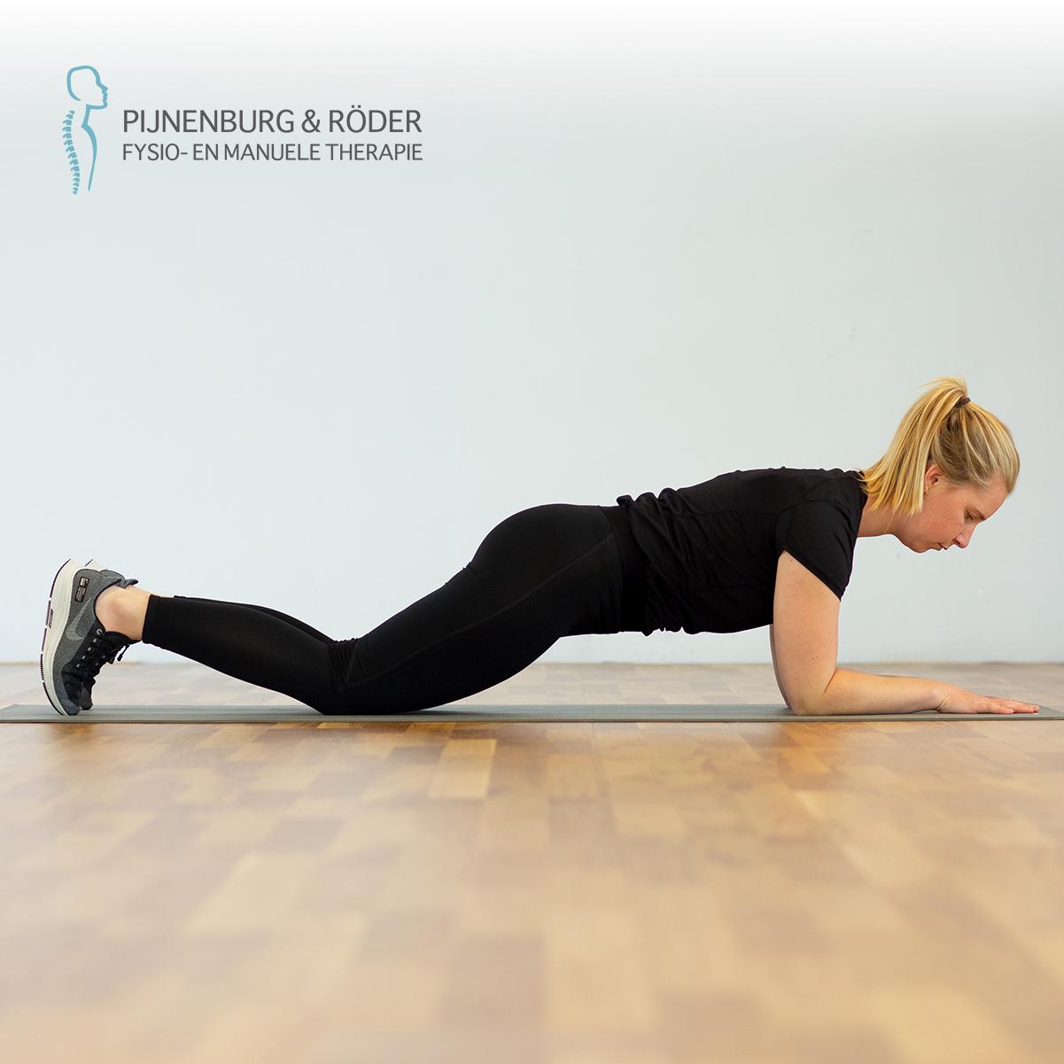 lage rug stabiliteit plank met kniesteun