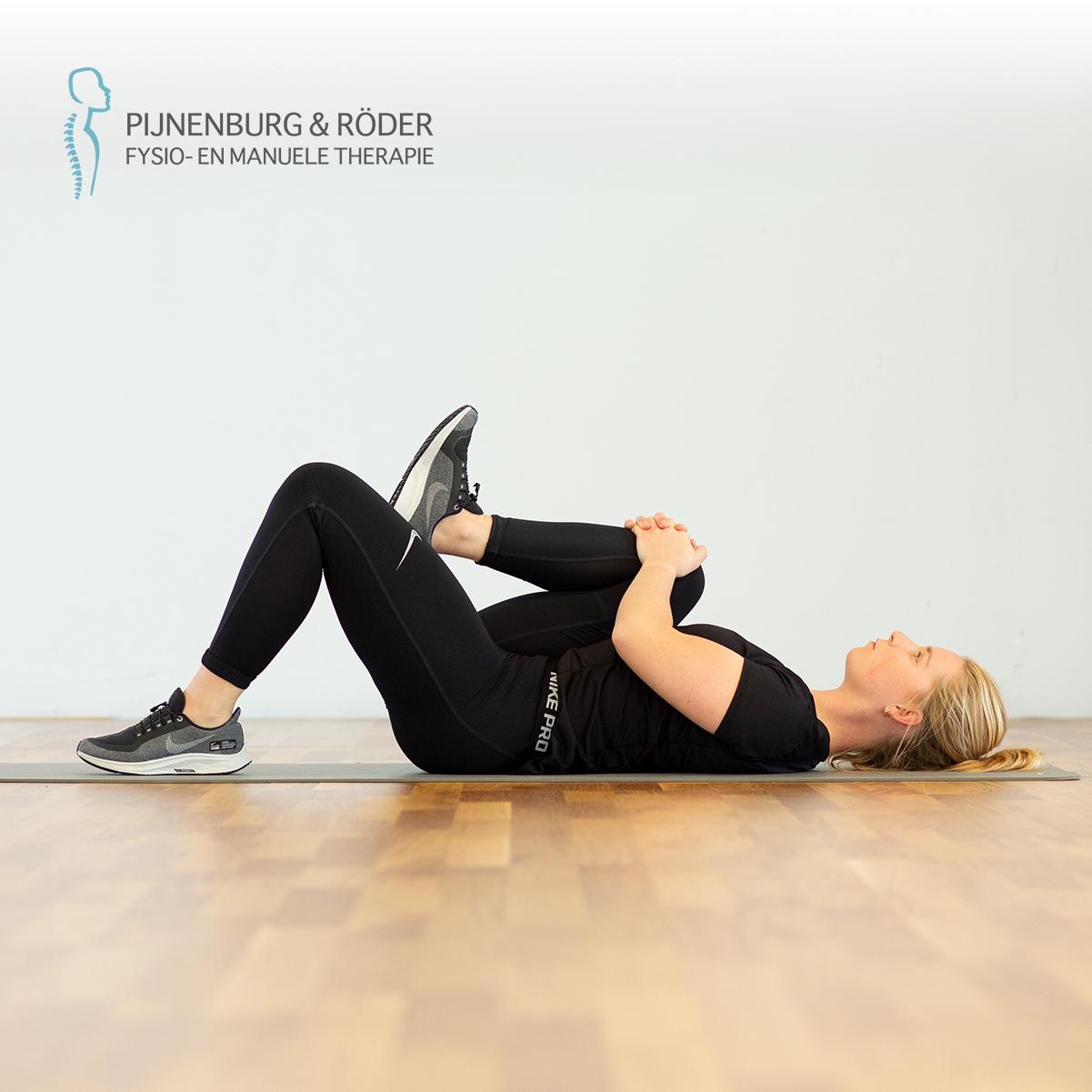 lage rug mobiliteit knie naar borst
